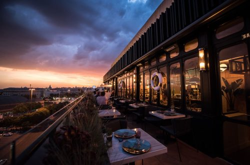 Only You Hotel Atocha · Terraza con vistas.