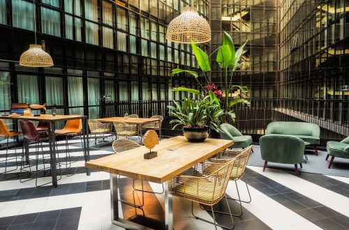 Only You Hotel Atocha · Zona de trabajo